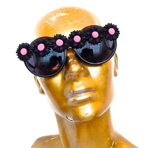 WICKED GARDEN PEEKABOO GLASSES NEW